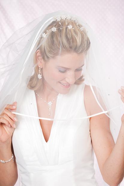 ღღ Brautfrisur Mit Schleier ღღ Tipps Und Online Shoppen ღღ
