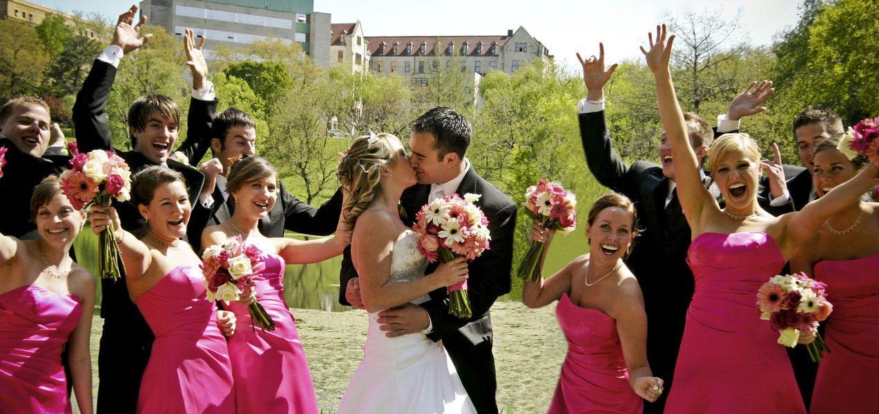 Die Braut Brautkleid Accessoires Und Trauzeugin