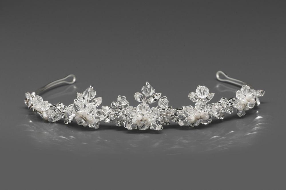 diadem mit perlen und kristallsteinen haarschmuck diademe. Black Bedroom Furniture Sets. Home Design Ideas
